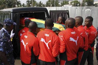 Entierro de uno de los fallecidos por el atentado contra la selecci�n de Togo.
