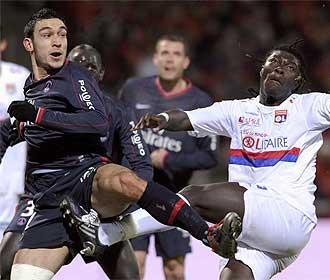 Una imagen del partido entre el Olympique y el PSG.