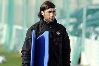 El argentino Pavone, durante un entrenamiento con el Betis