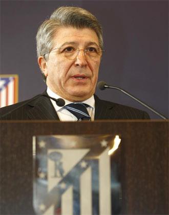 Enrique Cerezo durante un acto del club rojiblanco.