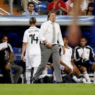 Guti y Schuster, en un partido del Real Madrid de la temporada 2008/2009.