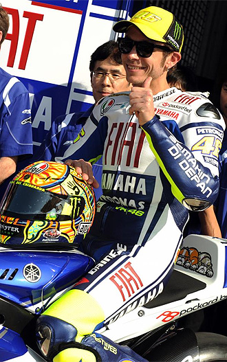 Rossi, durante la presentaci�n de la nueva Yamaha