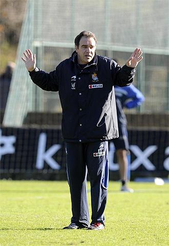 Mart�n Lasarte, en un entrenamiento de la Real Sociedad