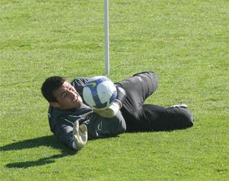 Justo Villar, durante un entrenamiento con el Valladolid.