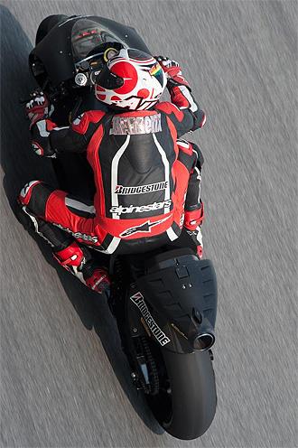Barber�, rodando con su nueva Ducati en Sepang