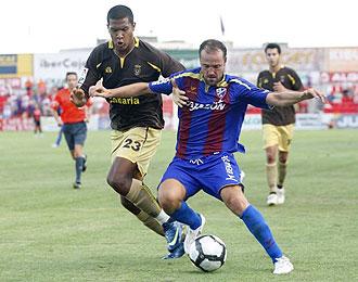 Las Palmas y Huesca necesitan los tres puntos para tomar aire.