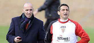 Monchi y Jim�nez en un entrenamiento del Sevilla.