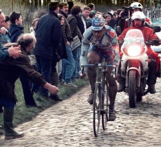 Ballerini en la Paris Roubaix de 1998.