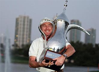 Jim�nez, con el trofeo de vencedor