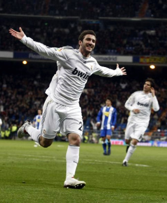 Higua�n celebra su �ltimo gol con el Madrid.