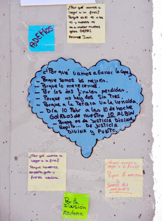 Estas fueron algunas de las notas que dejaron los aficionados en el Coliseum.