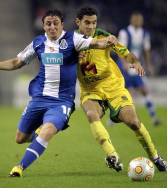 Cristian Rodr�guez, en un partido con el Oporto.