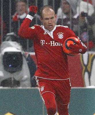 Robben celebra su gol en Copa con el Bayern