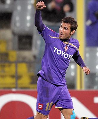 Adrian Mutu, durante un partido con la Fiorentina