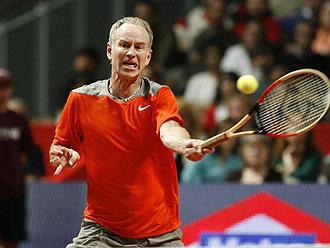John McEnroe en un torneo de exhibici�n