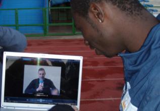 Mendy recibió el ánimo de Benzema a través de un vídeo.