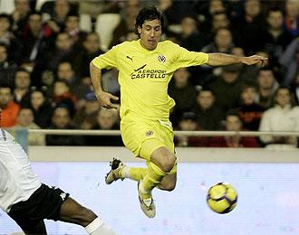 Capdevila cree que Messi es m�s importante que Cristiano Ronaldo.