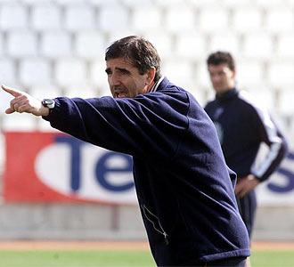 Paco Herrera durante un entrenamiento.