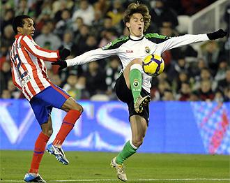 Canales, en acción ante el Atlético en Copa