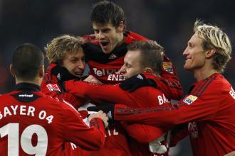 Los jugadores del Bayer Leverkusen celebran su victoria ante el Wolfsburgo .