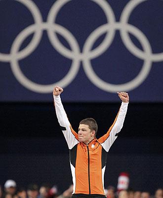 Sven Kramer celebra su oro