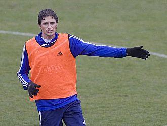 Edmilson en un entrenamiento del Zaragoza