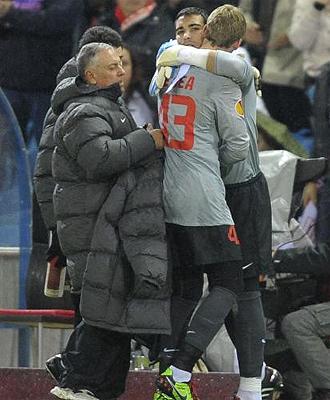 David De Gea es sustituido por Sergio Asenjo durante el partido ante el Galatasaray
