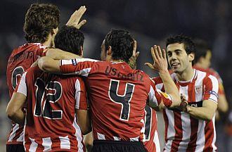 San Jos� (dorsal 12) celebra el gol con sus compa�eros.