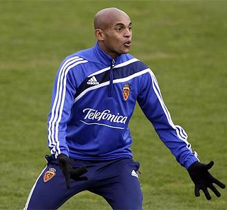 Ewerthon, en un entrenamiento del Zaragoza