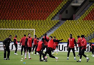 El Sevilla realiza el entrenamiento previo al partido en el Ol�mpico de Luznhiki.
