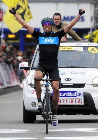 Juan Antonio Flecha celebrando su victoria.