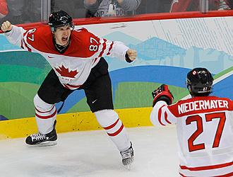 Momento en el que Crosby celebra el tanto que le daba el t�tulo a Canad�