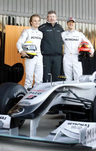 Rosberg, Brawn y Schumacher, en la presentaci�n del Mercedes GP de esta temporada