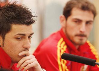 Villa y Casillas atienden a los medios en la rueda de prensa previa al Francia-Espa�a.