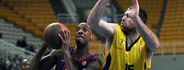 Morris, defendido por Kaimakoglou.