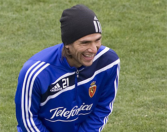 Ponzio sonr�e durante un entrenamiento.