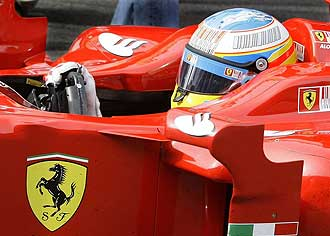 Fernando Alonso a los mandos de un Ferrari