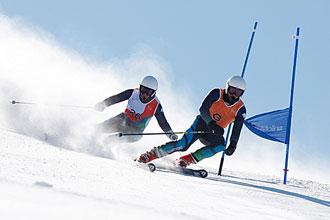 Jon Santacana junto a su guía, Miguel Galindo, es una de nuestras principales opciones de medalla en los Juegos Paralímpicos de Vancouver.