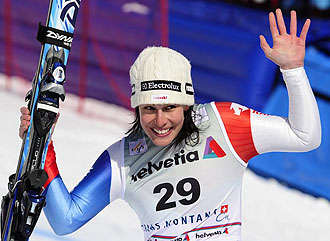 Dominique Gisin celebrando su triunfo