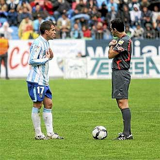 Duda protesta a Velasco Carballo tras su expulsi�n.