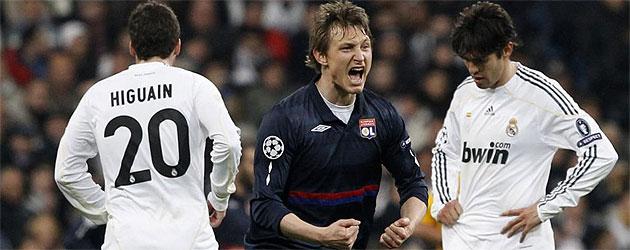 Kim Kallstrom celebra el gol de Pjanic