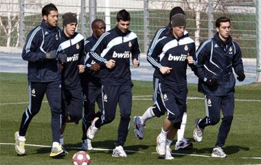 Los jugadores del Madrid se ejercitaron cabizbajos