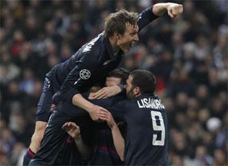 El Olympique de Lyon celebra la victoria.
