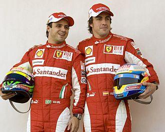 Massa y Alonso posan para la prensa en Bahr�in.