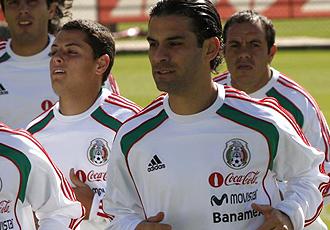 Rafa M�rquez hace carrera continua junto a otros compa�eros de selecci�n durante la �ltima concentraci�n de M�xico.
