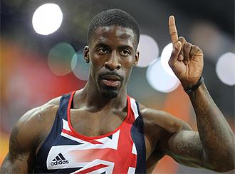 Dwain Chambers celebra su triunfo en los 60 metros