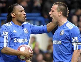 Droga y Terry durante el partido