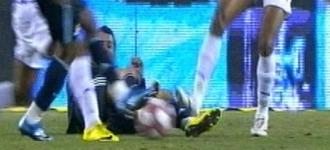 Nivaldo agrede sin bal�n a Cristiano