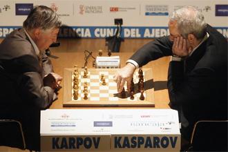 Karpov y Kasparov, durante la partida que jugaron en septiembre pasado en Valencia