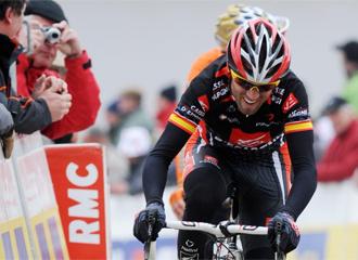 Valverde, en acci�n en la Par�s-Niza
